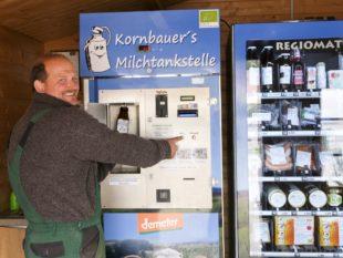 In Kornbauer's Milchtankstelle fließt Rohmilch auf Knopfdruck