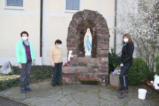 Madonna der Lourdes-Grotte erneuert