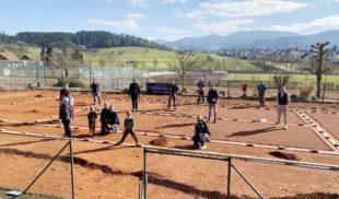 Tennisclub Zell führt aufwendige Platzsanierung in Eigenregie durch