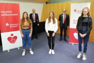 2021-5-21-Kinzigtal-Sparkasse-Jugend musiziert-Jaqueline Schmalz (von links), Justine Heidig, Sebastian Lebek und Anna Friedmann