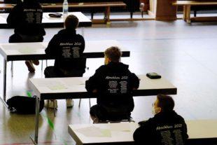 72 Schüler schwitzen am Bildungszentrum über Abschlussprüfungen