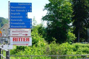Neues Verkehrsleitsystem räumt mit Unterharmersbacher Schilderwald auf