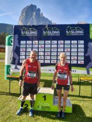 Rosi Knäble und Bernd Ehrhardt finishen beim Dolomites Saslong Run