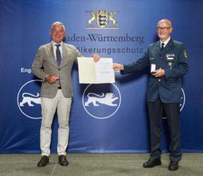 Innenminister verleiht Walter Nock das Bevölkerungsschutz-Ehrenzeichen