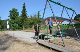 Doppelseilbahn auf dem Stadtpark-Spielplatz ist ein neues Highlight