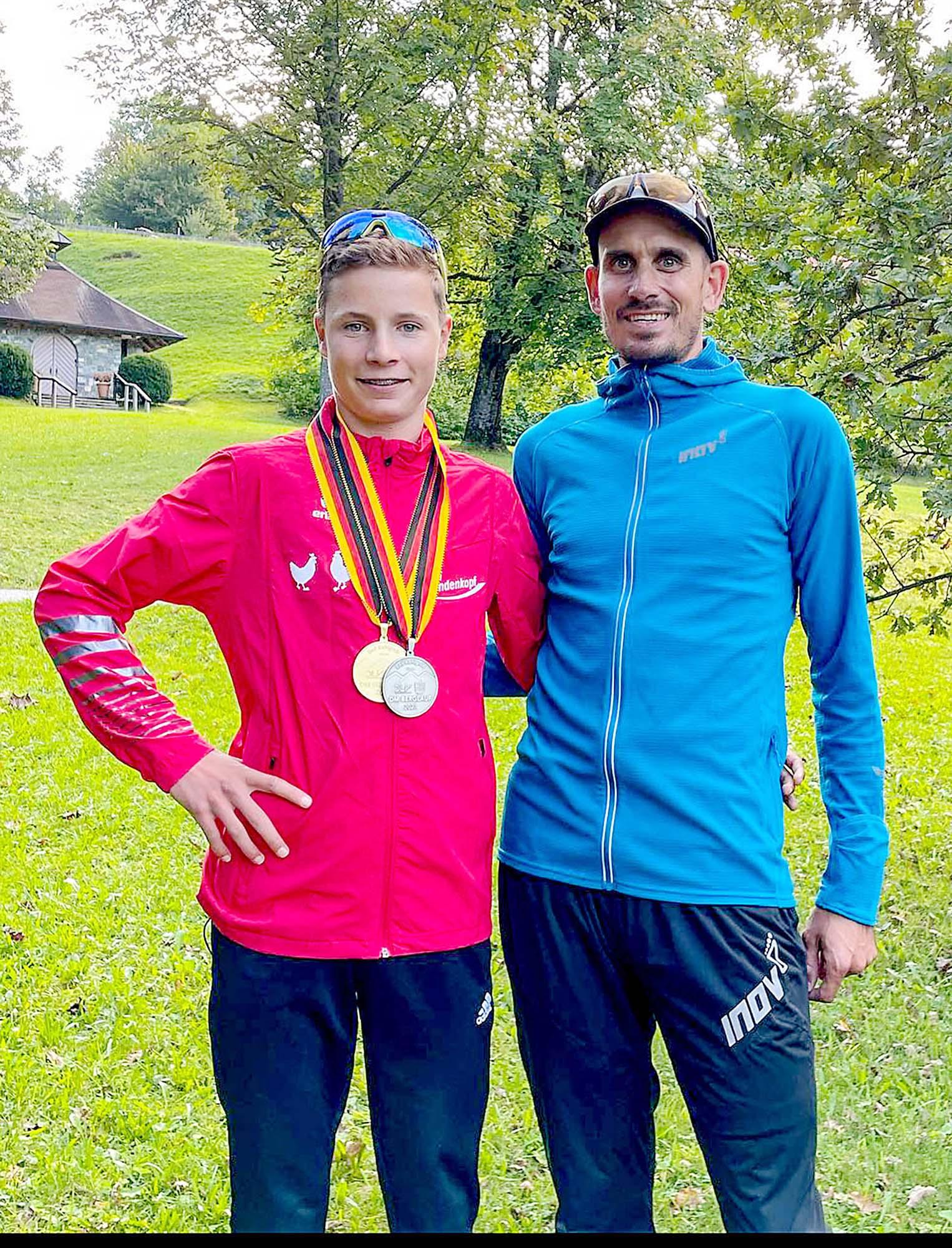 2021-9-22-ZE-as-Deutsche Berglaufmeisterschaften-LukasEhrle_TrainerTimoZeiler