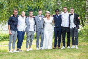 2500 Kilometer Anreise: FVU-Spieler gratulieren Benny Lehmann zur Hochzeit