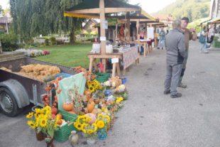 Herbstmarkt der Nordracher Landfrauen bei Bilderbuchwetter