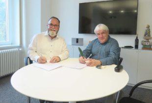 Schenkungsvertrag unterzeichnet