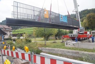 Neue Brücke im Dorf